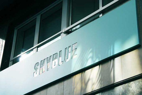 fachada de skybluecoworking