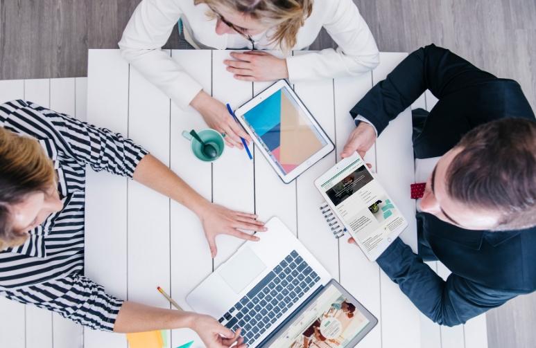 hablamos de todos los aspectos del coworking, sus ventajas y oportunidades.